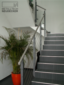 Treppe mit Seilfüllung