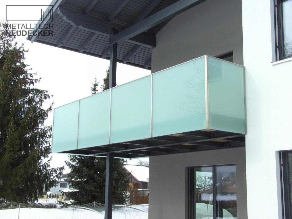 gel nder balkone fenstergitter gitter metalltech. Black Bedroom Furniture Sets. Home Design Ideas