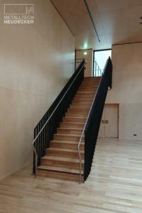 geradläufige Treppe
